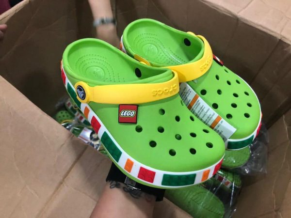 Kid Crocs Lego xanh lá