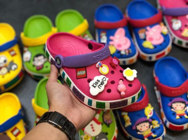 Kid Crocs Lego hồng đậm